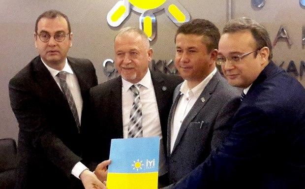 İYİ Parti Ezine ve Geyikli Adaylarını Açıkladı