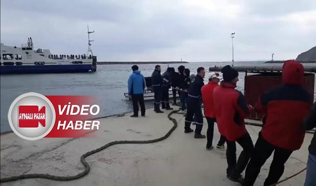 Limana Yanaşamayan Yolcu Gemisini Halatlarla Çektiler!