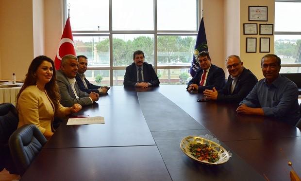 Vali Orhan Tavlı Ticaret Borsası'nı Ziyaret Etti