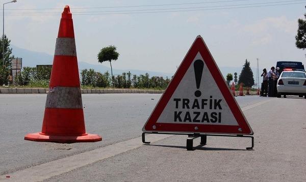 Eceabat'ta Trafik Kazası: 1 Ölü 3 Yaralı