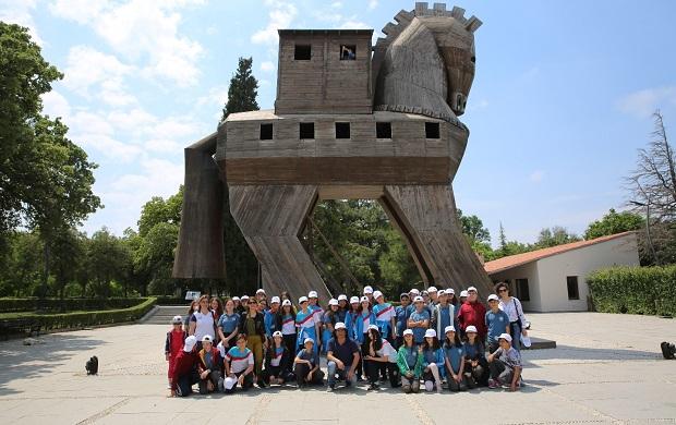 'Arkeo-Köy' Tevfikiye'de Öğrencilere Arkeolojik Kazı Atölyesi