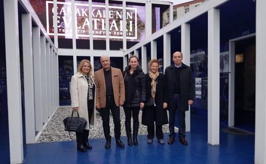 Aksakallı Paşa Çanakkale'nin Evlatları Sergisini Gezdi