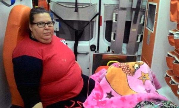 Yollar Kapanınca Ambulansta Doğum Yaptı