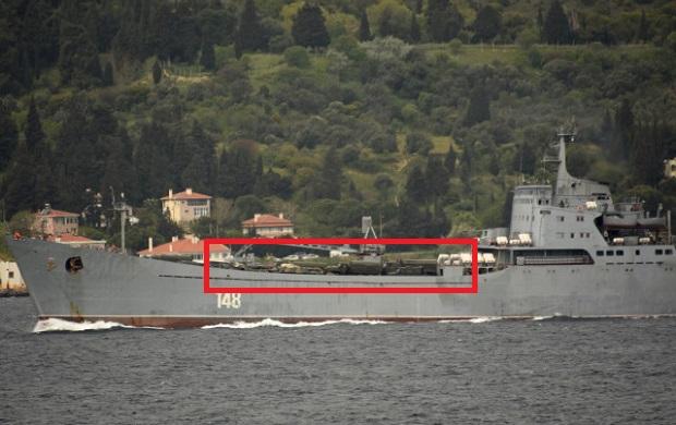 Askeri Araç Yüklü Rus Savaş Gemisi Boğaz'dan Geçti