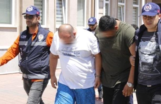 5 İnsan Taciri ve 50 Kaçak Göçmen Yakalandı