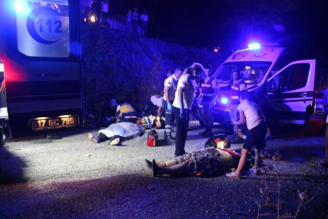 Trafik Kazasında Baba-Kız Öldü, Anne İse Ağır Yaralı