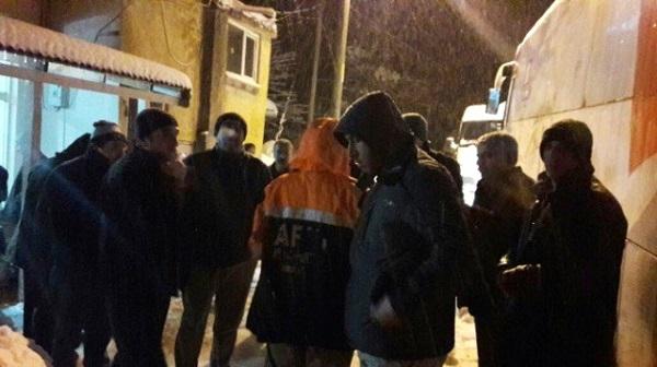 Karda Mahsur Kalan Yolcular Kurtarıldı