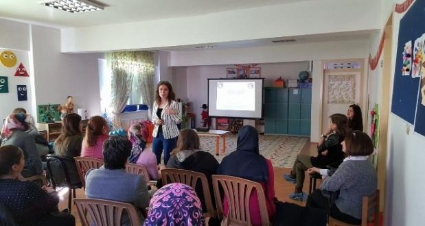 Lapseki'de Velilere İlk Yardım Eğitimi Verildi