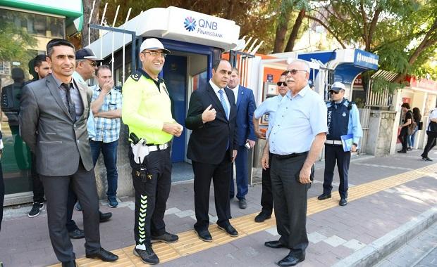 Başkan Gökhan'dan Yaya Güvenliği Nöbetine Destek