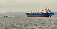 Boğazda Arızalanan Gemi Güvenli Bölgeye Çekildi