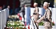 'Çanakkale Askerlerinin Başına Yunan Şapkası Taktılar…'