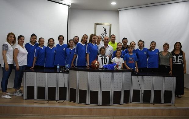 Adana Büyükşehir Sporcularından Ülgür Gökhan'a Ziyaret