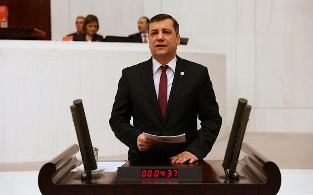 Özgür Ceylan'dan Evreşe Belediye Başkanına Eleştiri