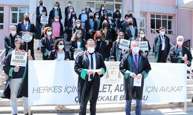 "Çanakkale Barosu'ndan ""Avukat'a Şiddet"" Protestosu"